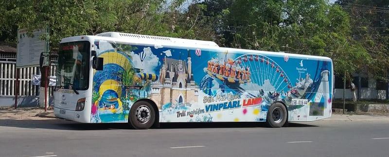 ảnh xe bus đón tiễn Vinpearl Safari