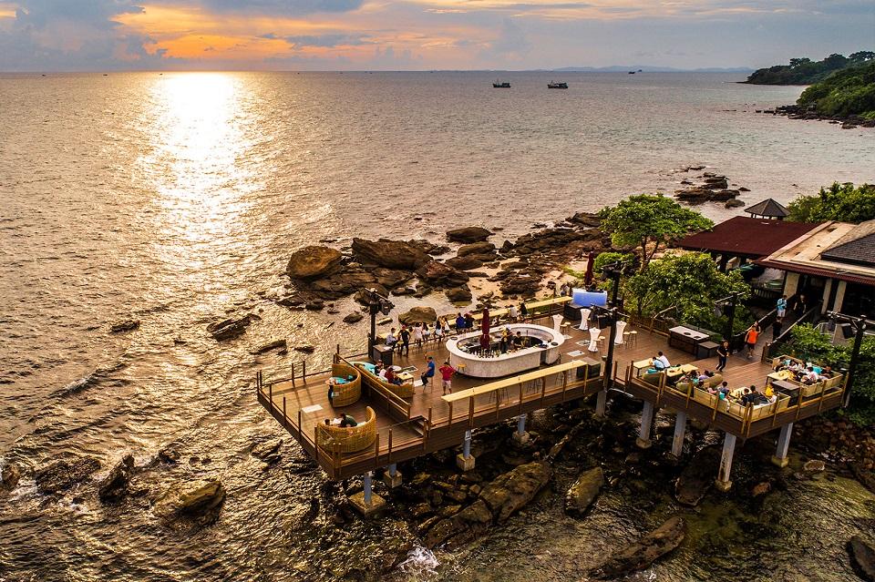 Rock Sunset Island Bar ngắm hoàng hôn