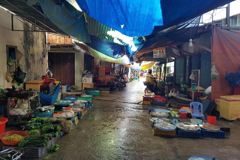 Chợ hải sản ở Gành Dầu