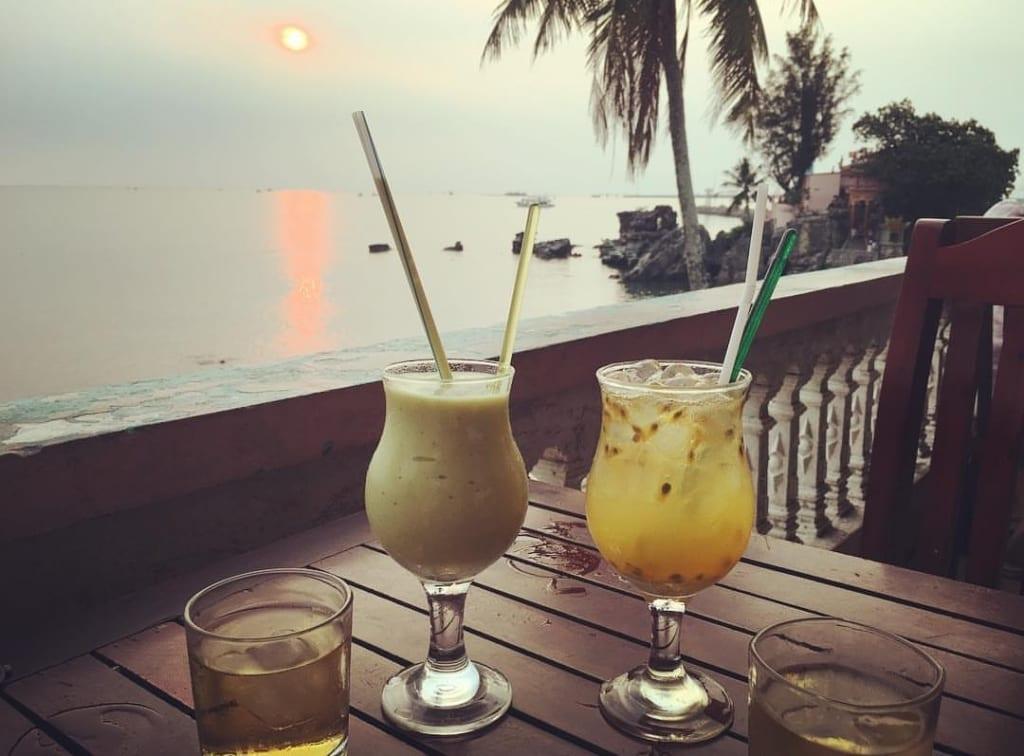 Cafe Pho Bien Phu Quoc hicanha _ NGẮM HOÀNG HÔN TRÊN ĐẢO PHÚ QUỐC – TRẢI NGHIỆM ĐẮT GIÁ KHÔNG THỂ BỎ QUA