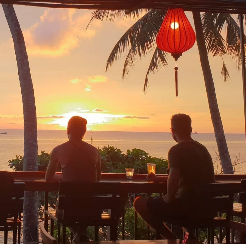 Quan cafe I love Phu Quoc hicanha _ NGẮM HOÀNG HÔN TRÊN ĐẢO PHÚ QUỐC – TRẢI NGHIỆM ĐẮT GIÁ KHÔNG THỂ BỎ QUA