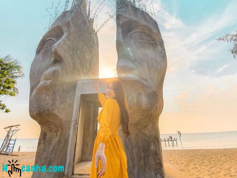 Sunset Sanato Beach Club Phú Quốc