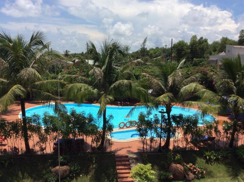 L'azure Resort & Spa – 4 Sao